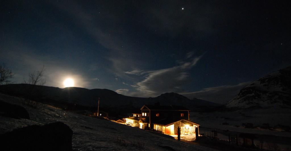 Månelyst på Gjendesheim