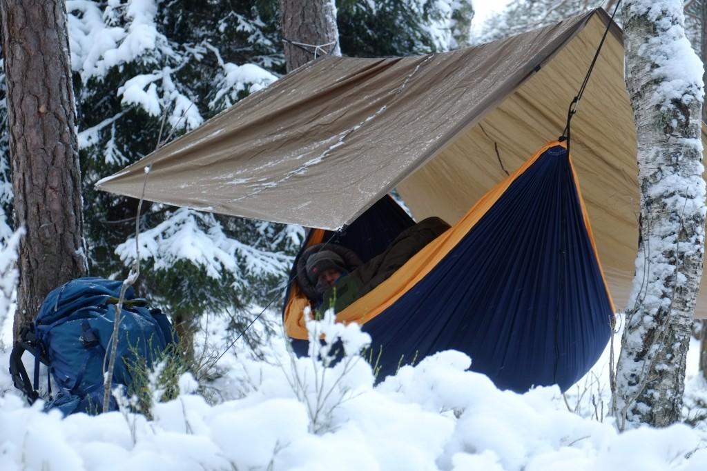Vinterovernatting i hengekøye er i seg selv en opplevelse