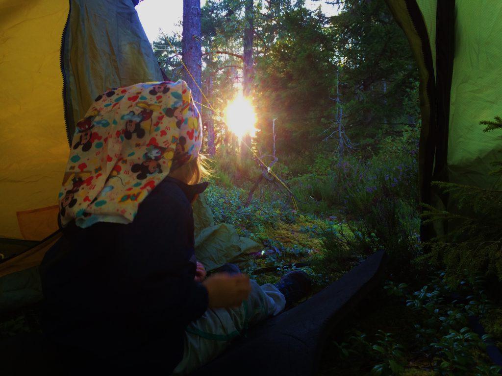 solnedgang-fra-teltet
